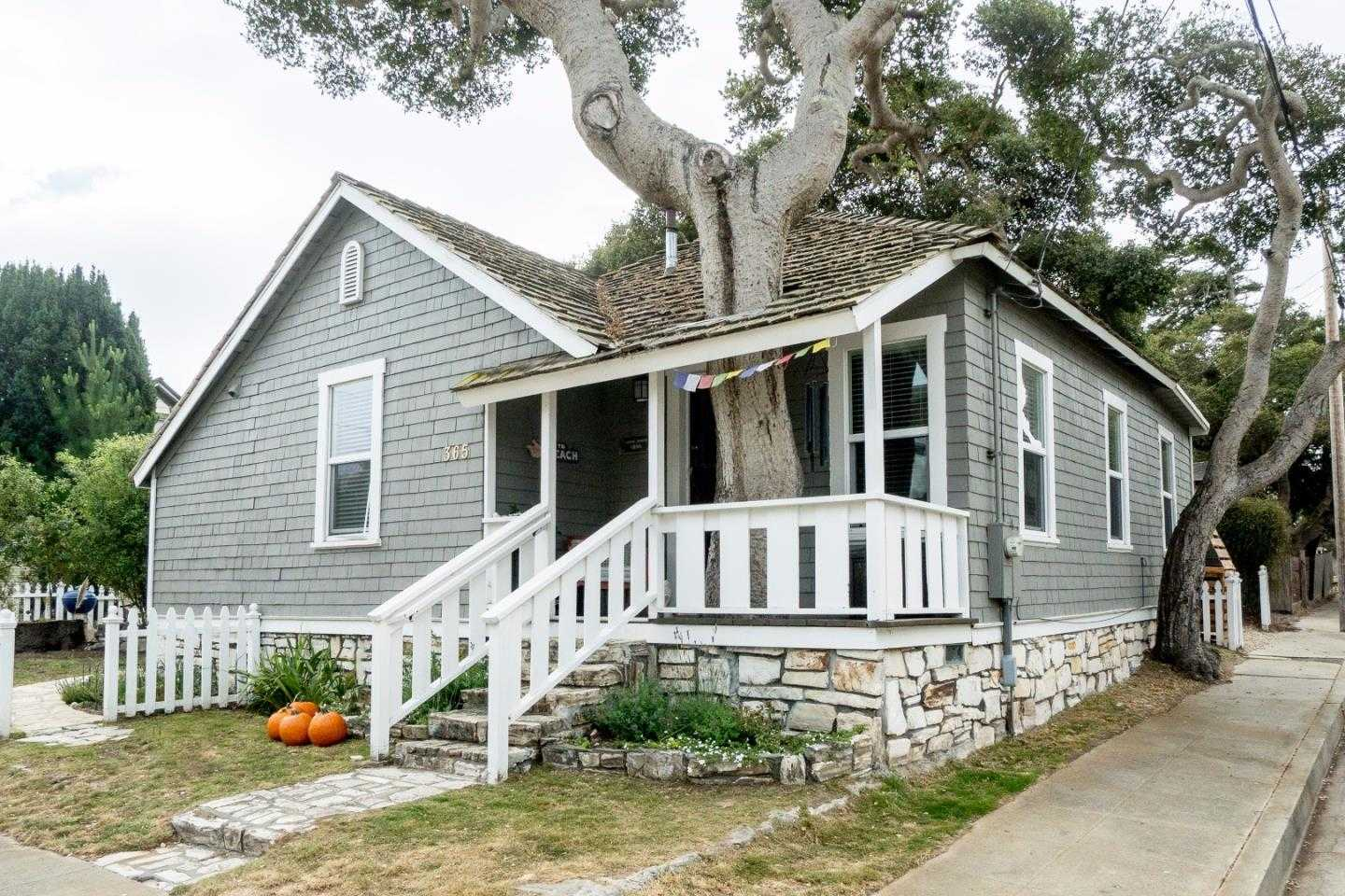 $999,000 - 4Br/3Ba -  for Sale in Pacific Grove