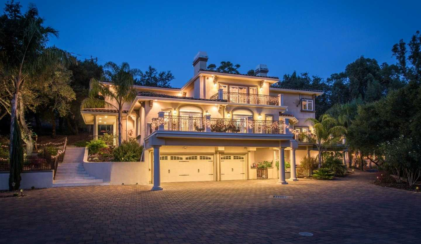 $5,998,000 - 6Br/10Ba -  for Sale in Saratoga