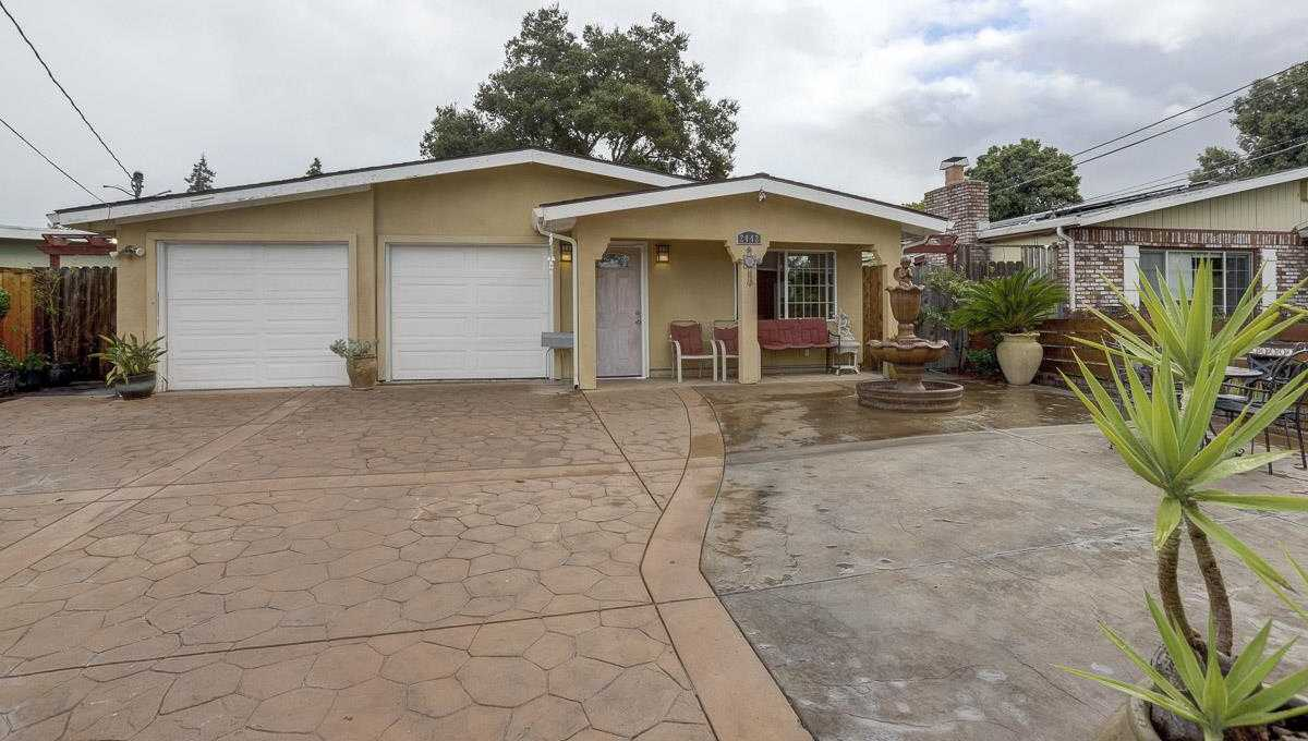 $1,299,999 - 4Br/2Ba -  for Sale in East Palo Alto