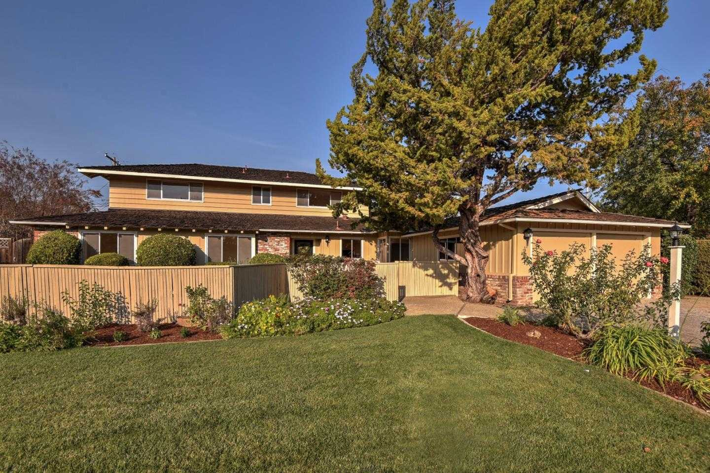 $2,798,000 - 7Br/4Ba -  for Sale in Los Altos