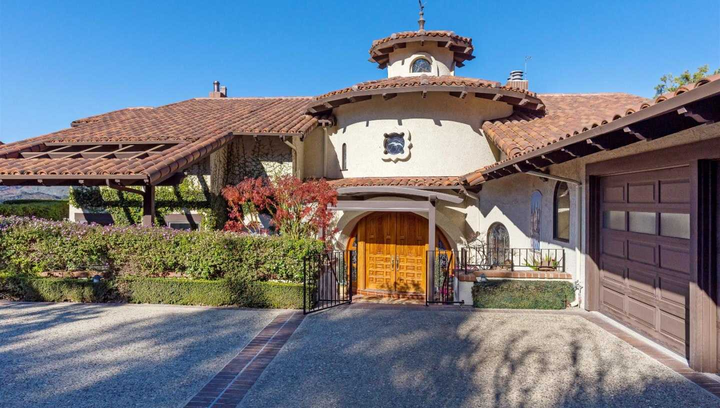 $10,000,000 - 4Br/4Ba -  for Sale in Cupertino
