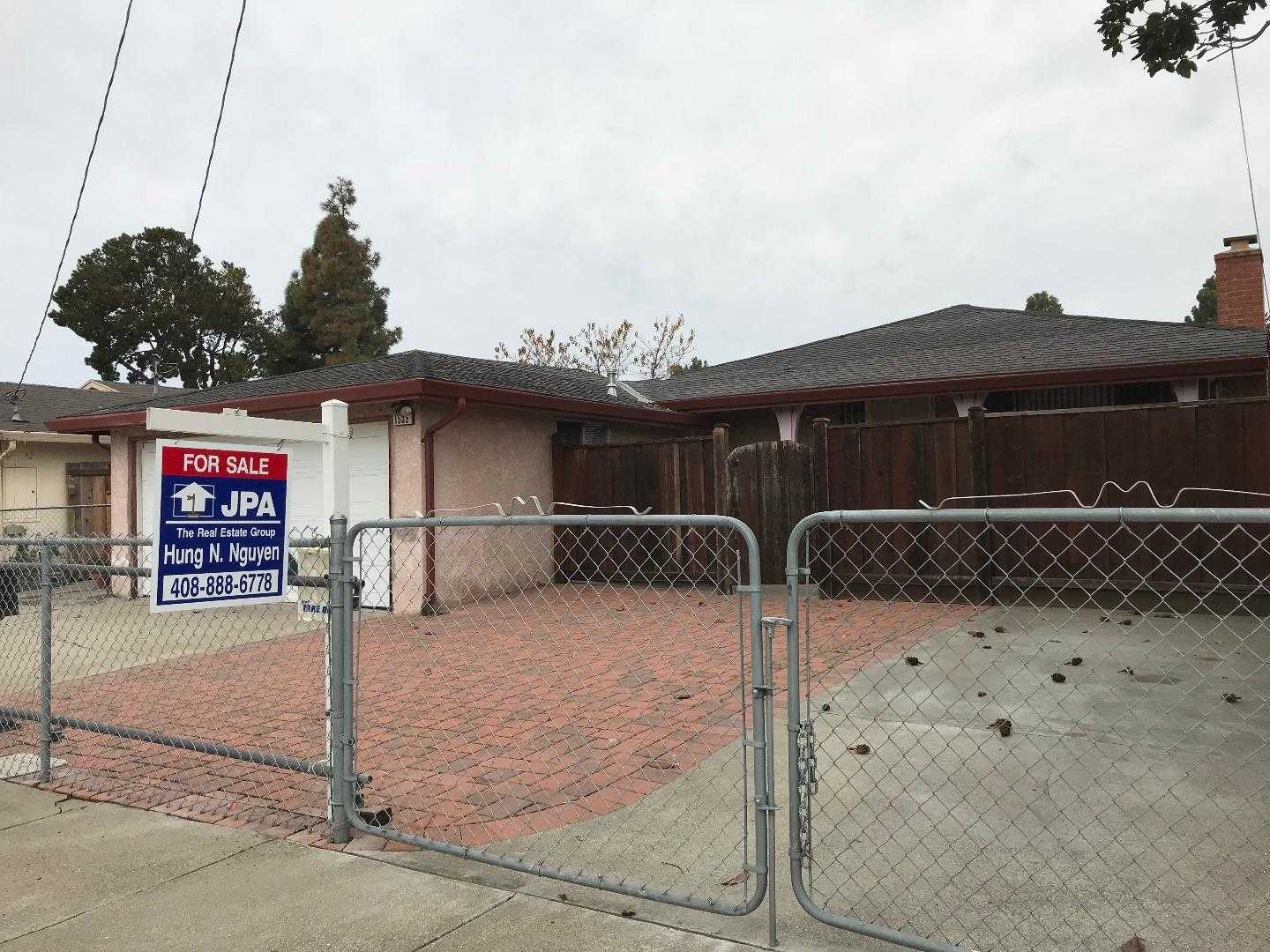 $899,999 - 3Br/2Ba -  for Sale in East Palo Alto
