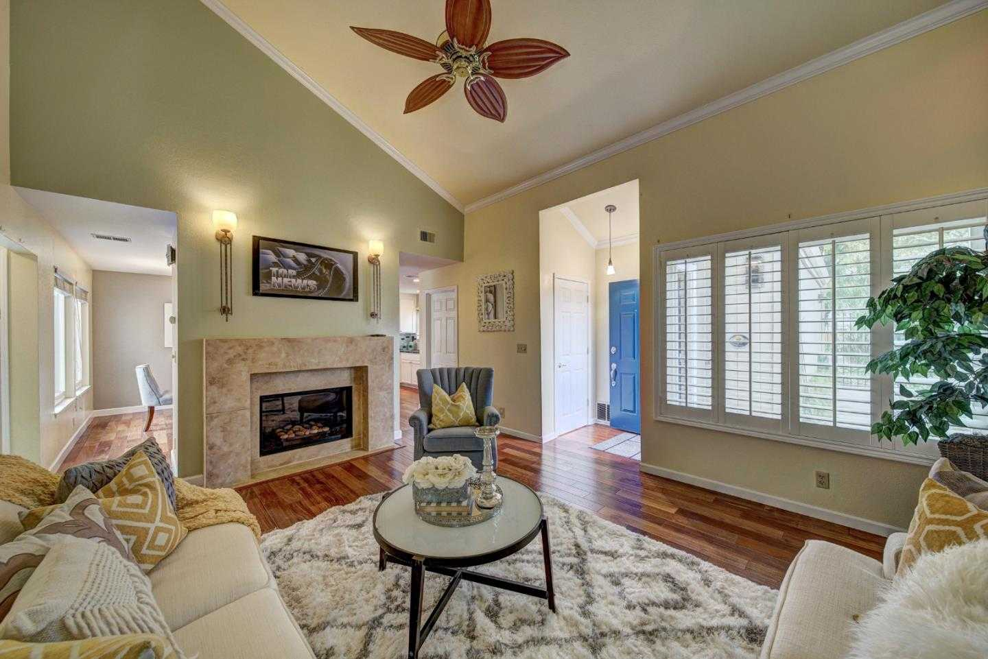 $1,380,000 - 2Br/2Ba -  for Sale in Cupertino