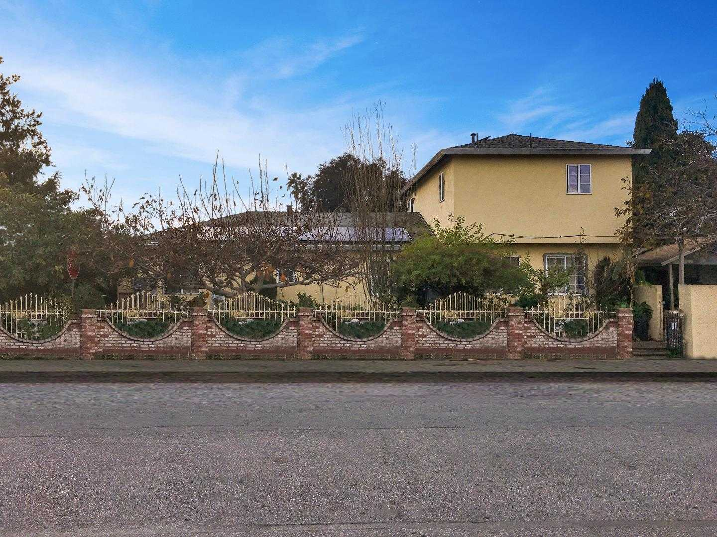 $899,000 - 2Br/1Ba -  for Sale in East Palo Alto