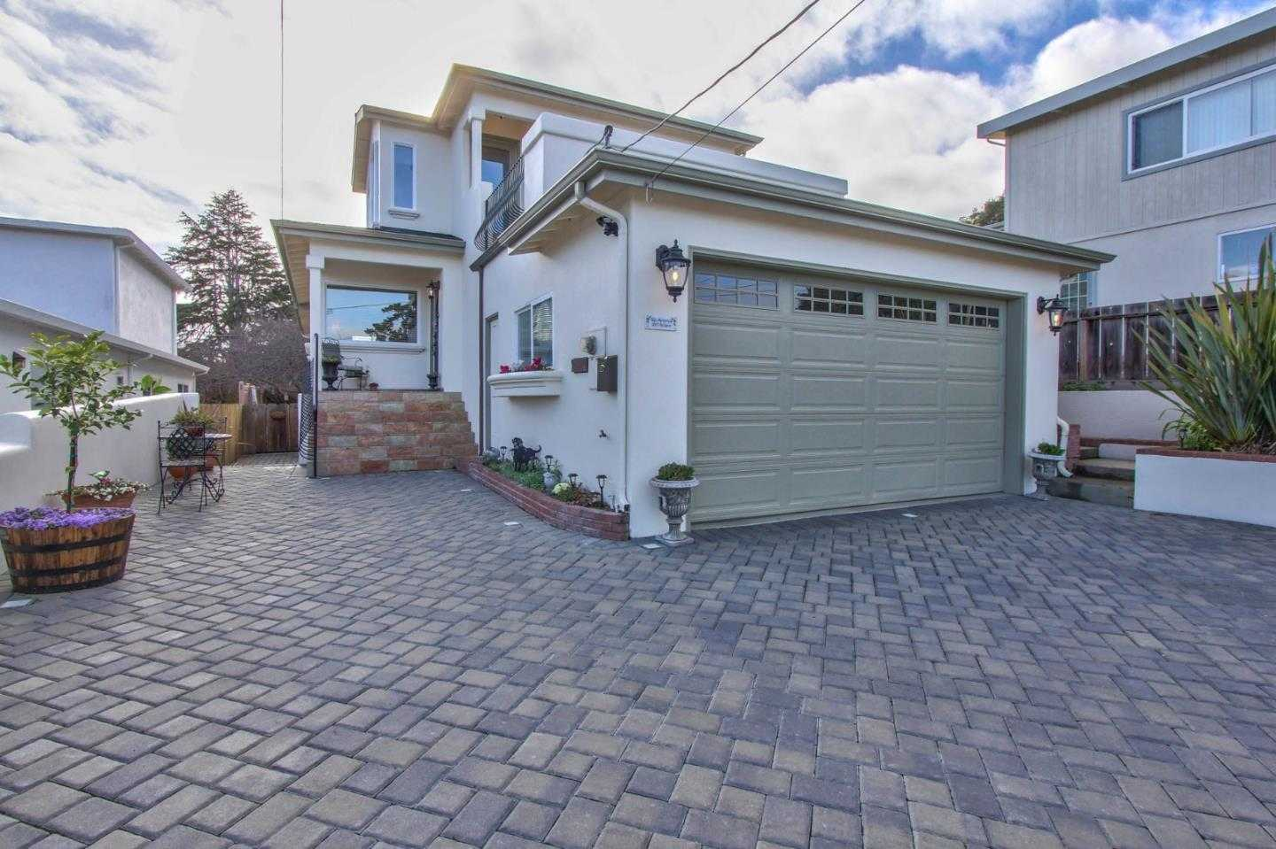 $1,025,000 - 3Br/3Ba -  for Sale in Monterey