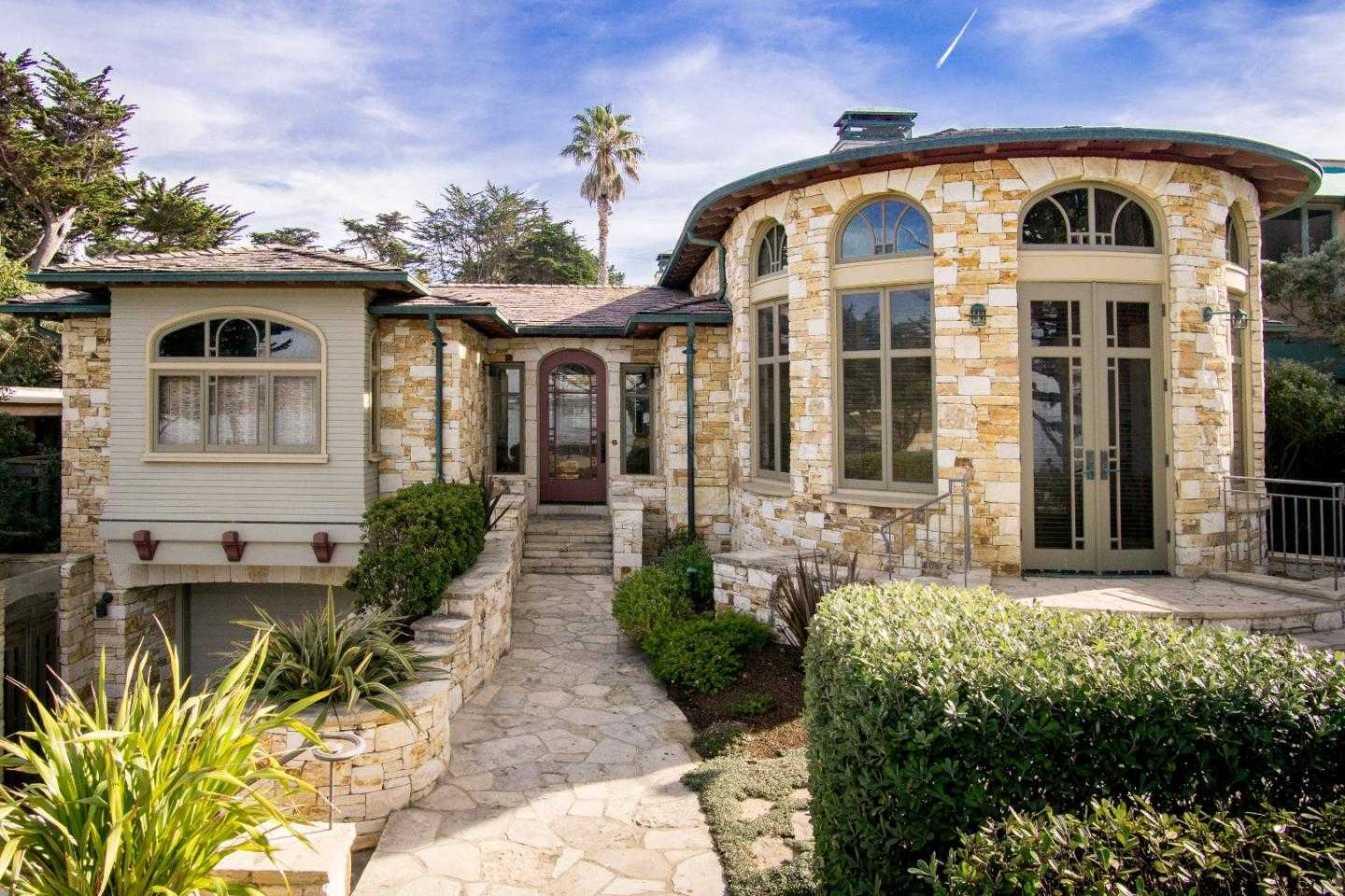 $11,950,000 - 4Br/3Ba -  for Sale in Carmel