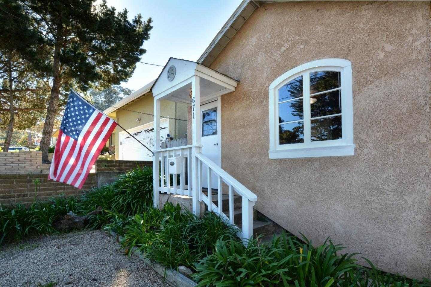$625,000 - 2Br/2Ba -  for Sale in Monterey
