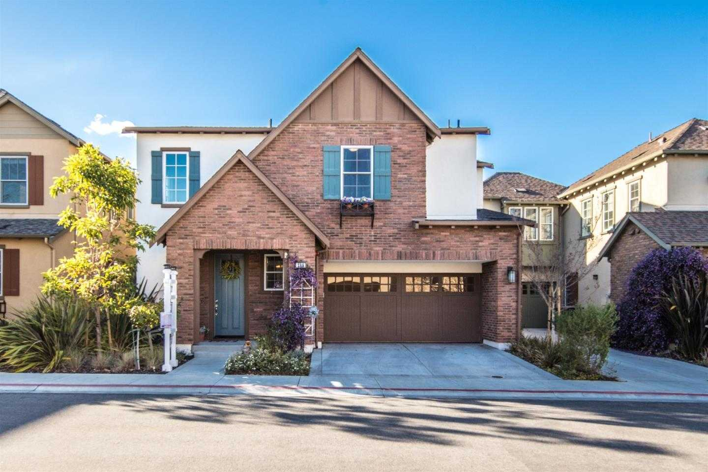 $2,088,000 - 4Br/3Ba -  for Sale in Mountain View