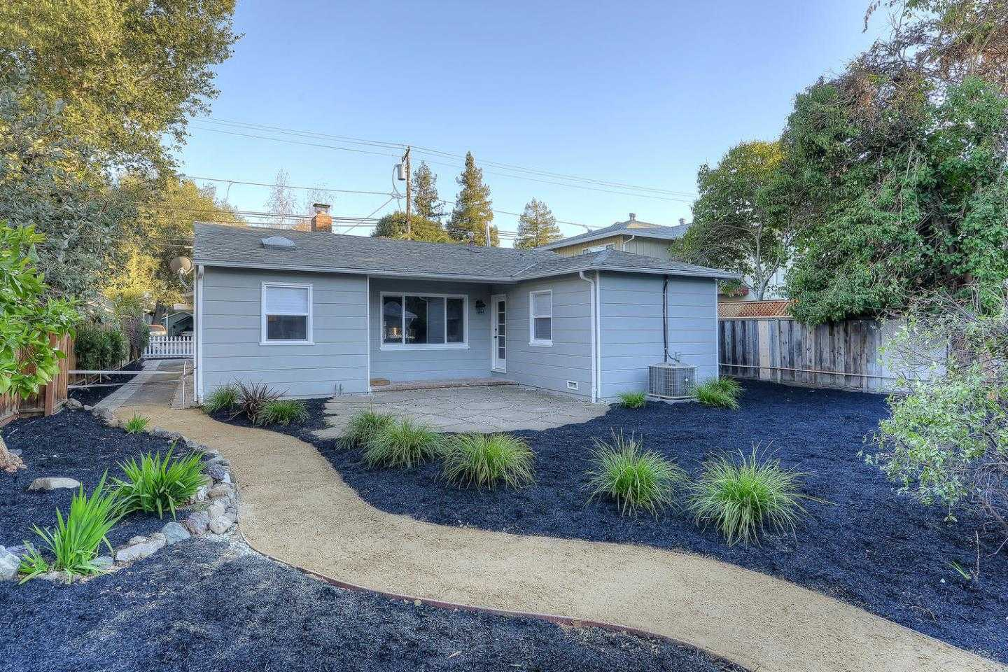 $2,698,000 - 5Br/4Ba -  for Sale in Palo Alto
