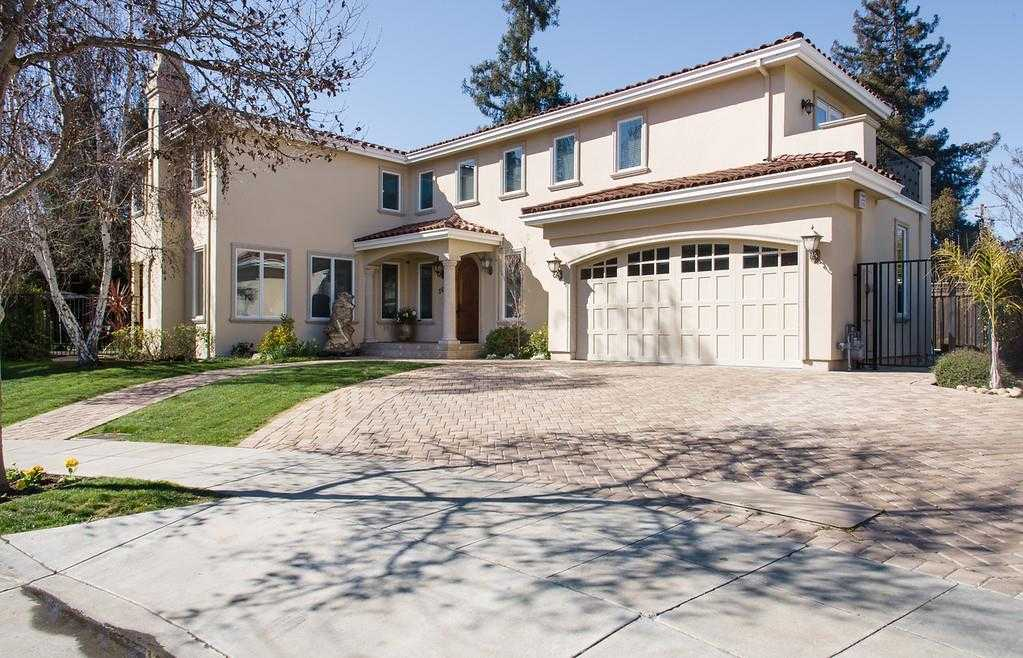 $5,988,000 - 7Br/6Ba -  for Sale in Palo Alto