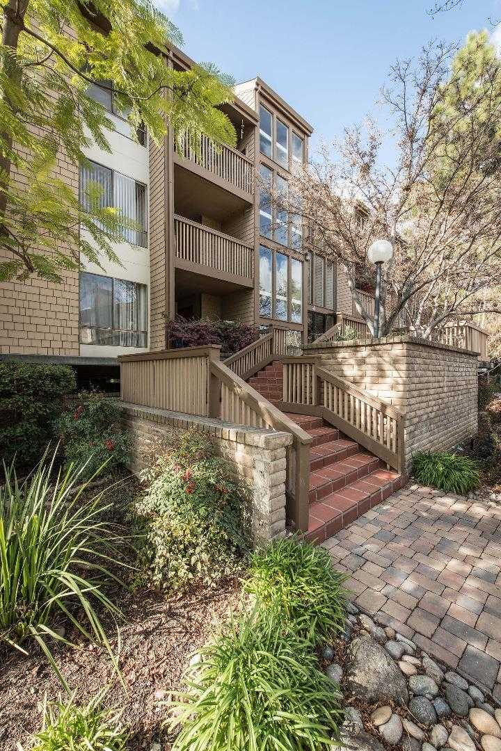 $1,388,000 - 3Br/2Ba -  for Sale in Mountain View