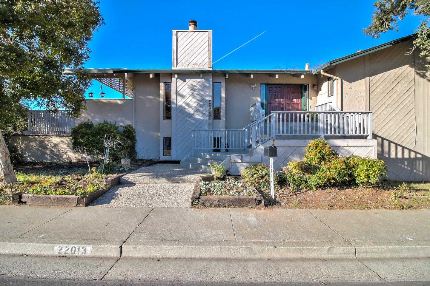 $2,885,000 - 5Br/3Ba -  for Sale in Cupertino