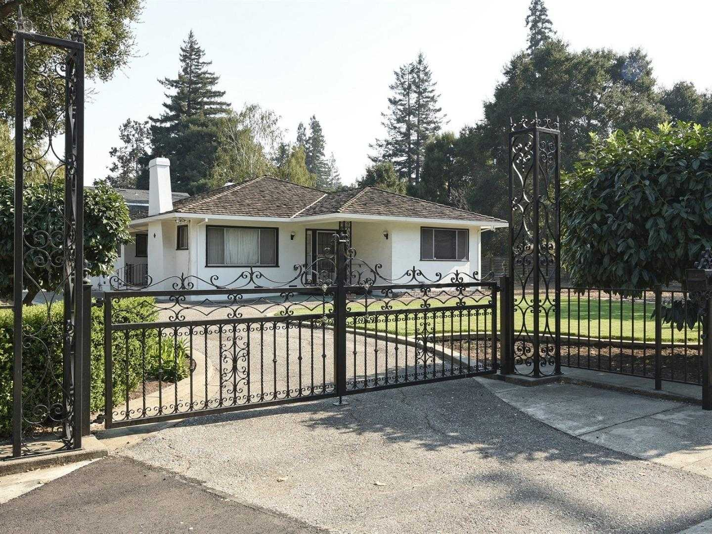 $3,498,000 - 3Br/2Ba -  for Sale in Menlo Park