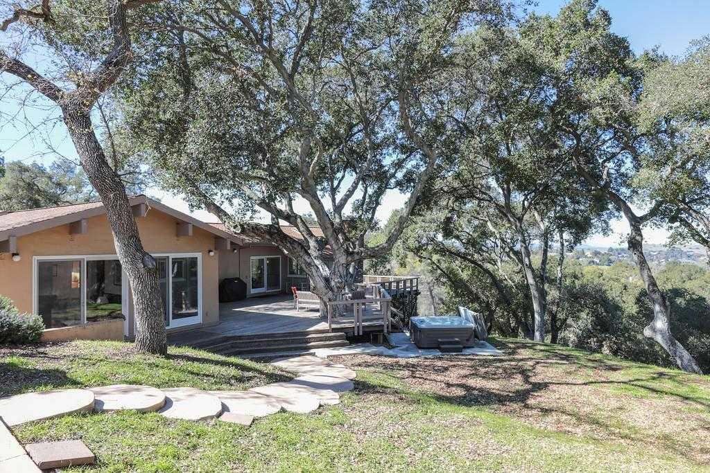 $3,950,000 - 5Br/3Ba -  for Sale in Los Altos Hills