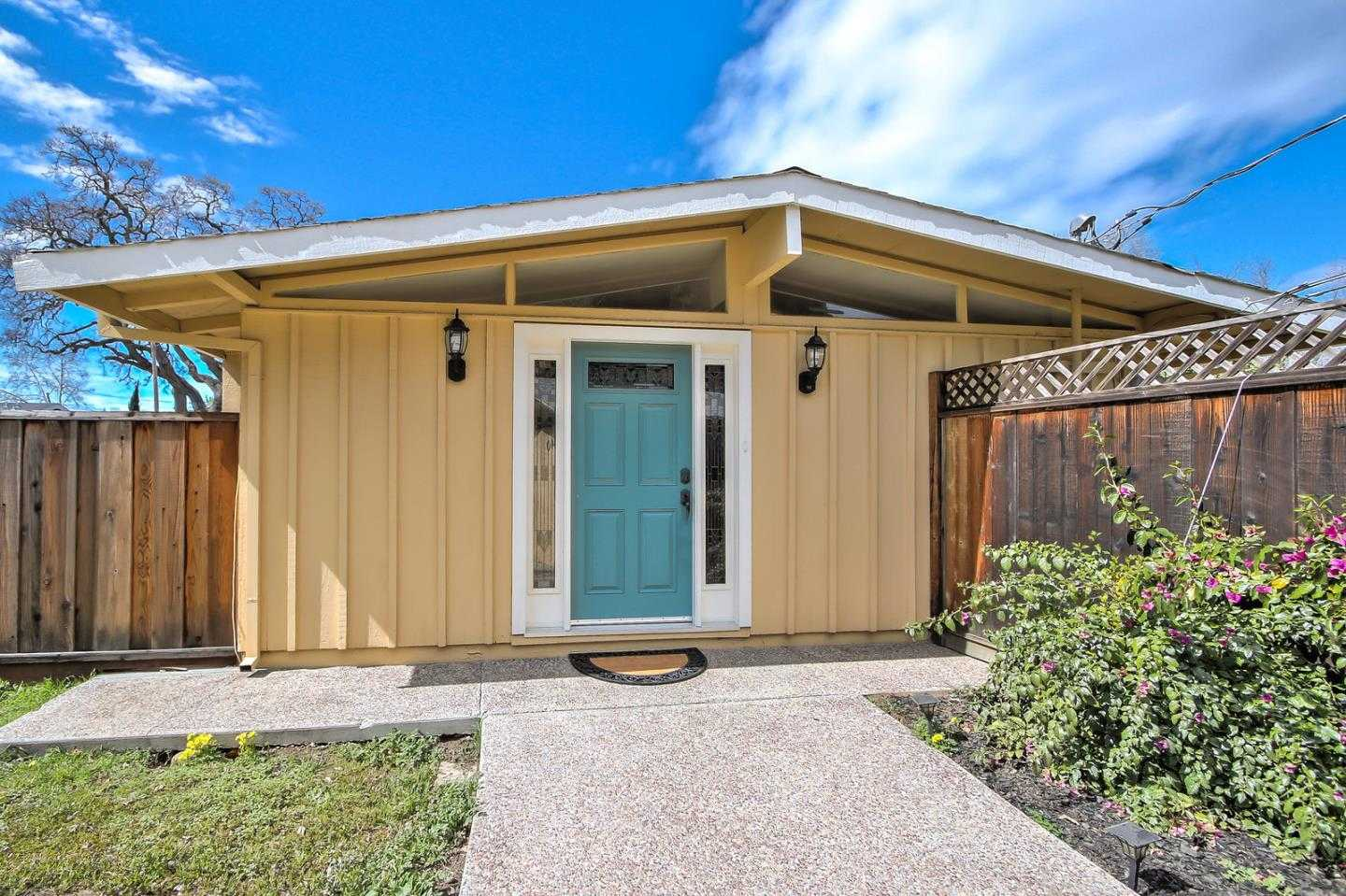 $1,699,950 - 3Br/1Ba -  for Sale in Cupertino