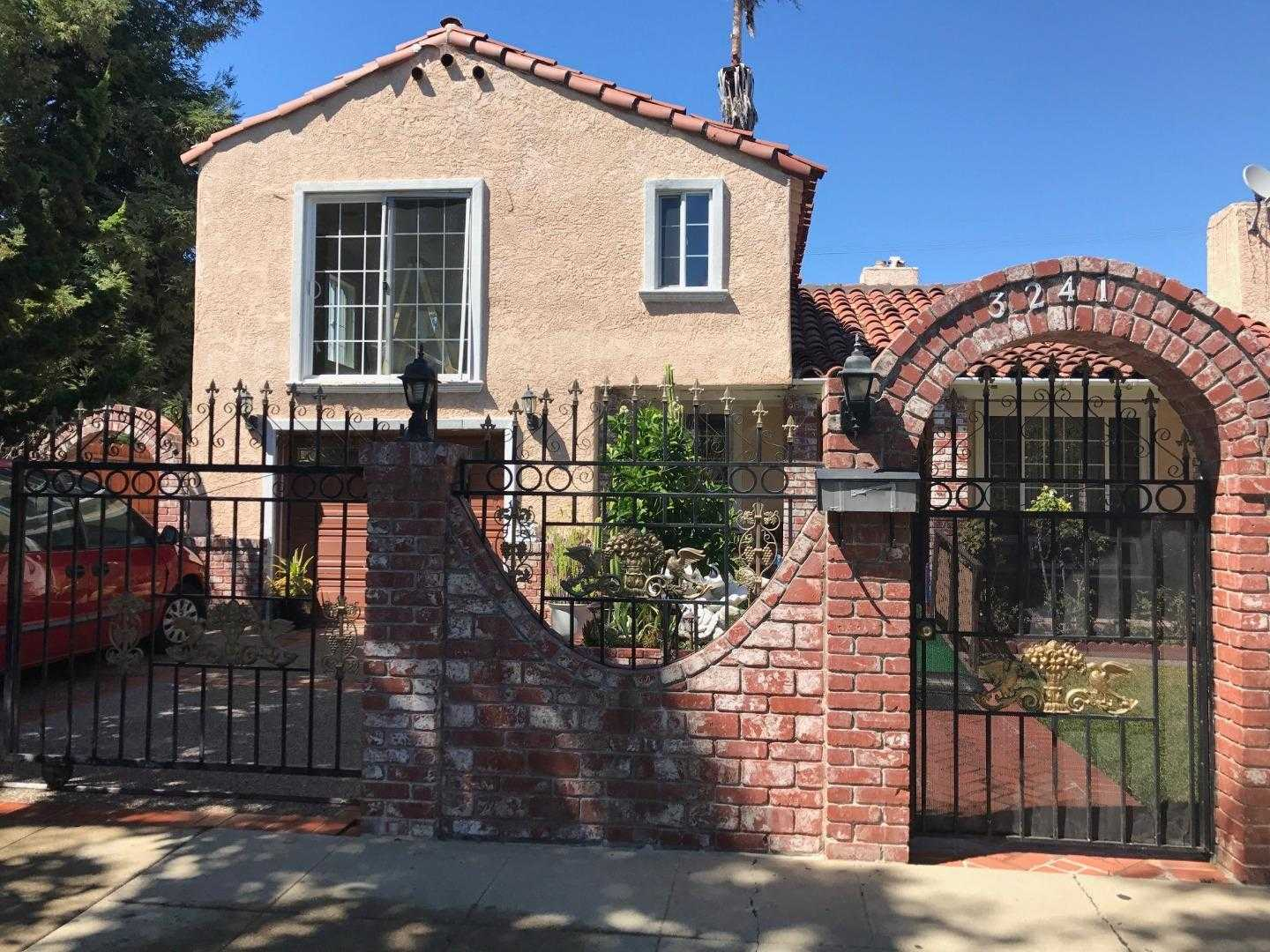 $1,200,000 - 3Br/3Ba -  for Sale in Redwood City