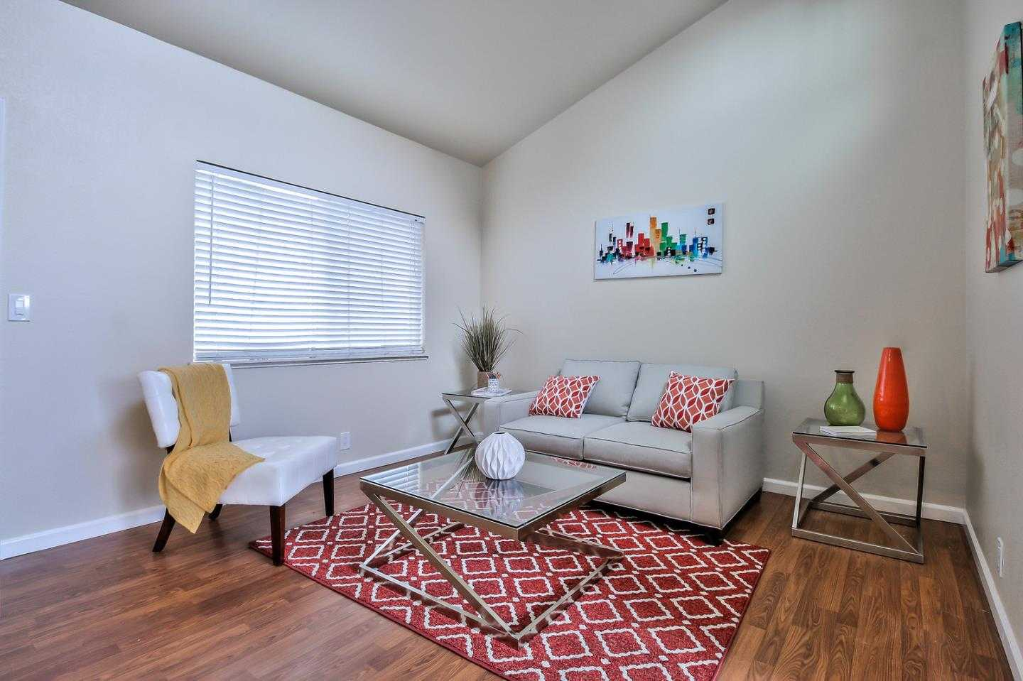 $574,000 - 1Br/1Ba -  for Sale in East Palo Alto