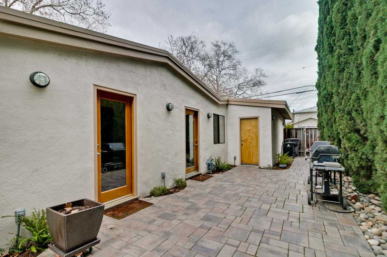 $1,999,999 - 3Br/1Ba -  for Sale in Mountain View