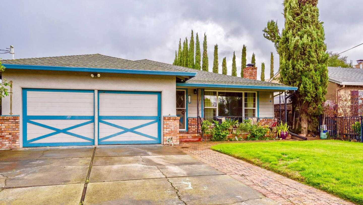 $1,850,000 - 3Br/2Ba -  for Sale in Redwood City