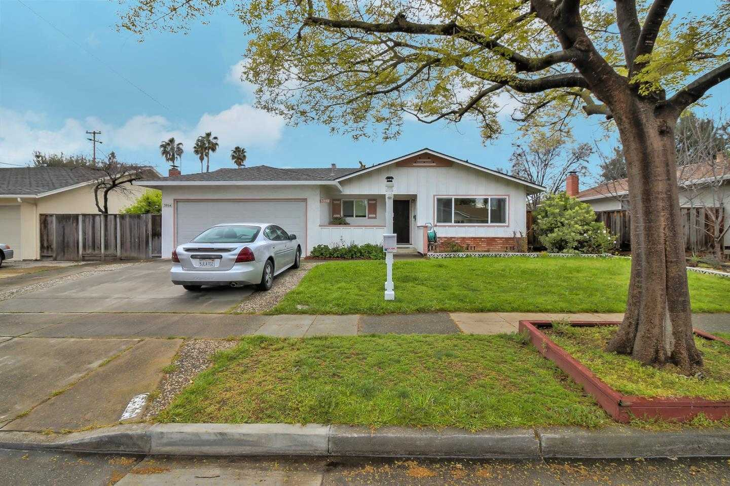 $1,400,000 - 3Br/2Ba -  for Sale in Campbell