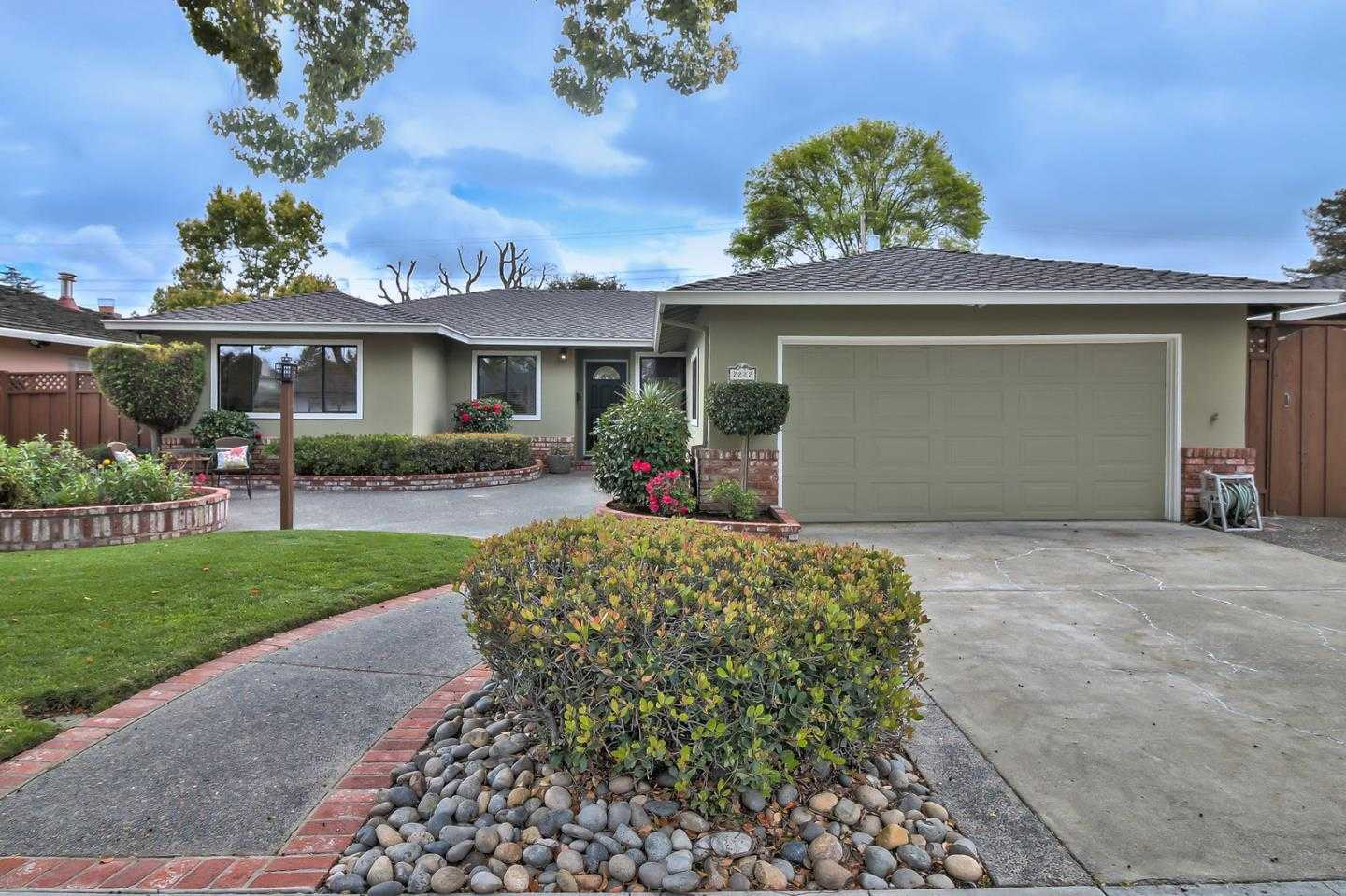 $1,395,000 - 4Br/2Ba -  for Sale in Campbell