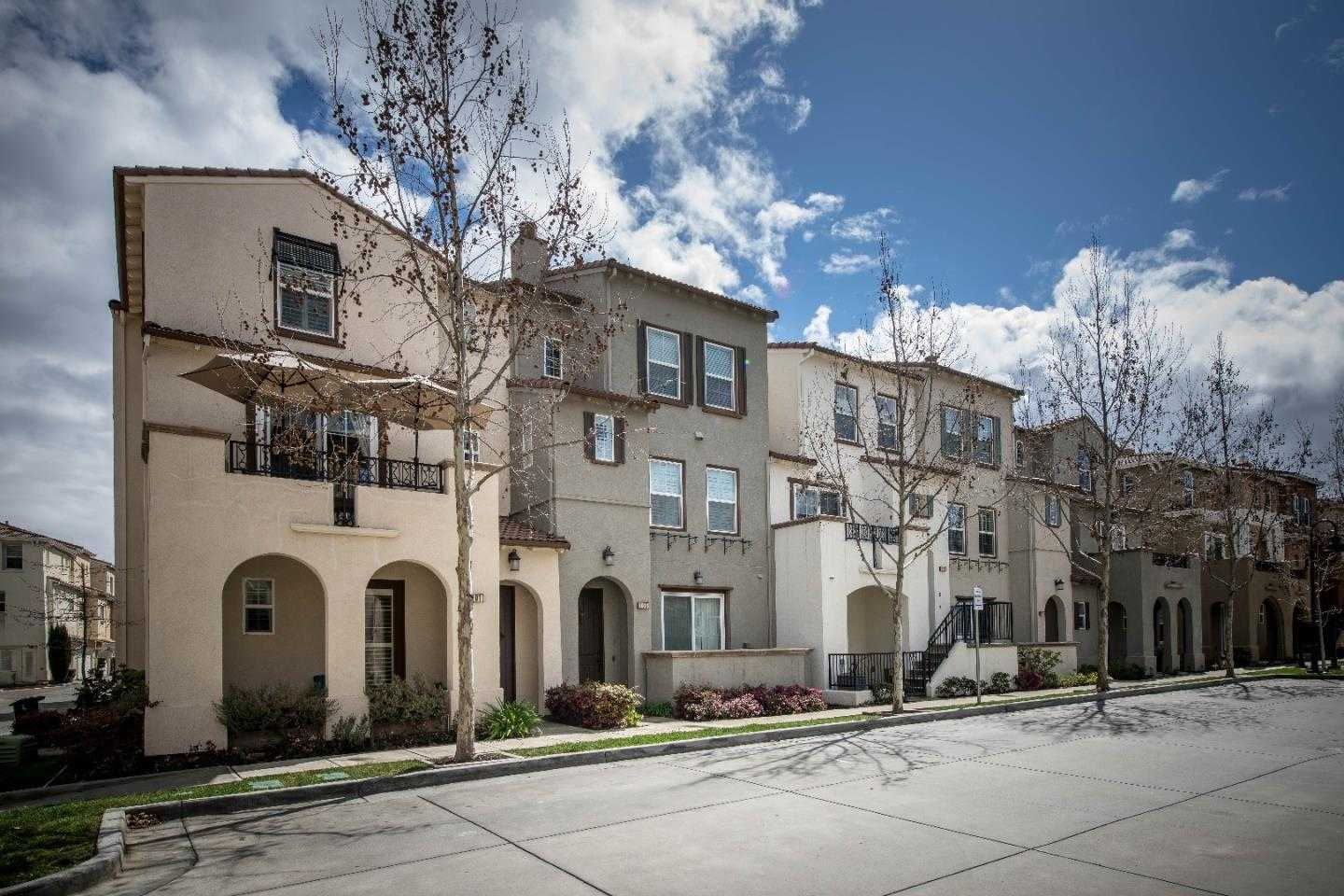 $1,650,000 - 3Br/4Ba -  for Sale in Mountain View
