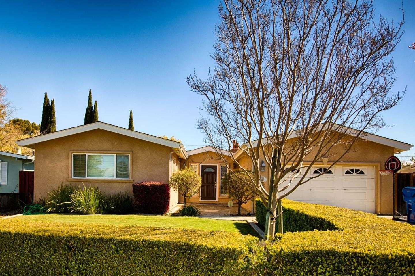 $1,599,000 - 4Br/3Ba -  for Sale in Campbell
