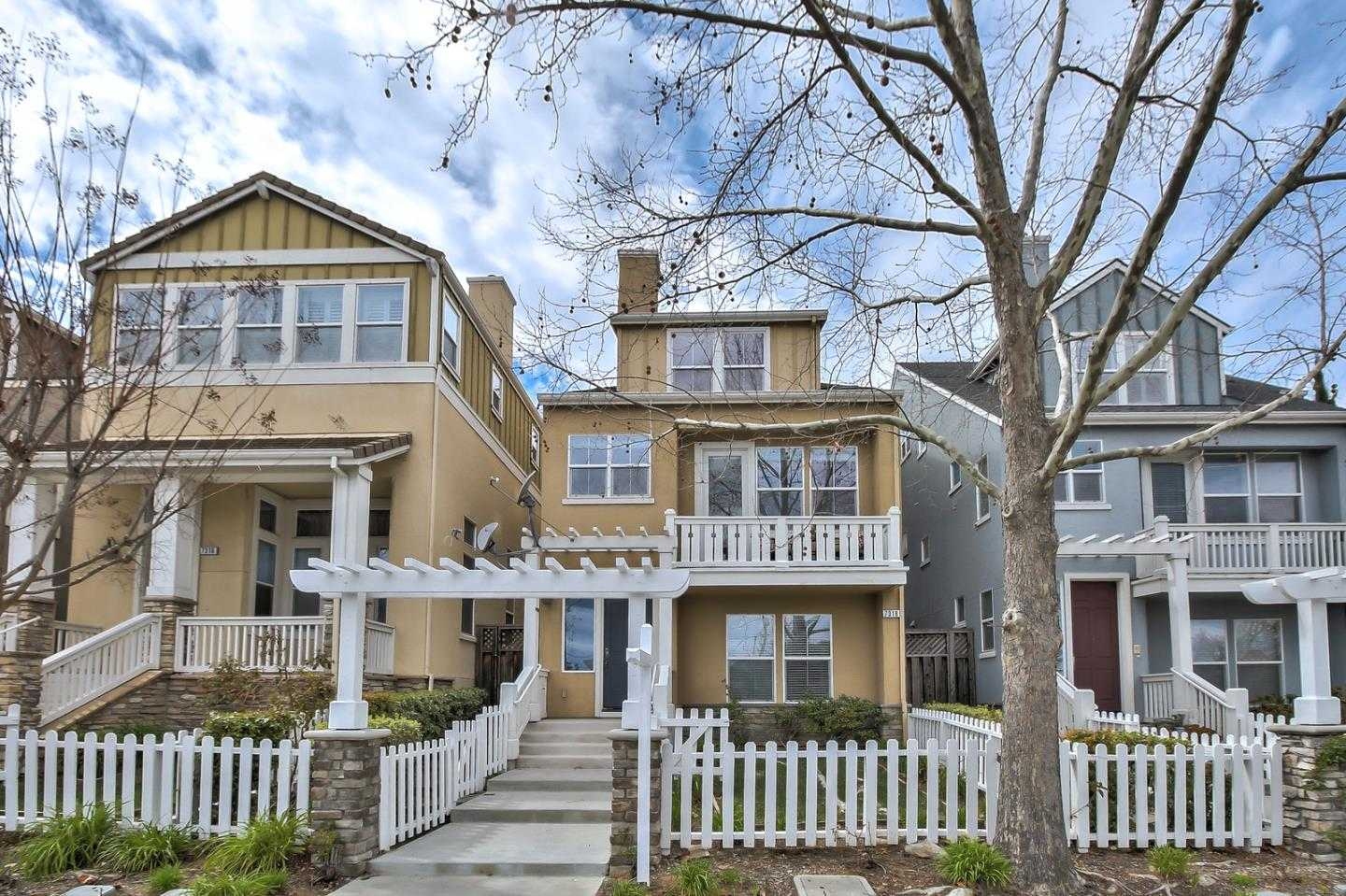 $1,799,000 - 4Br/4Ba -  for Sale in Cupertino