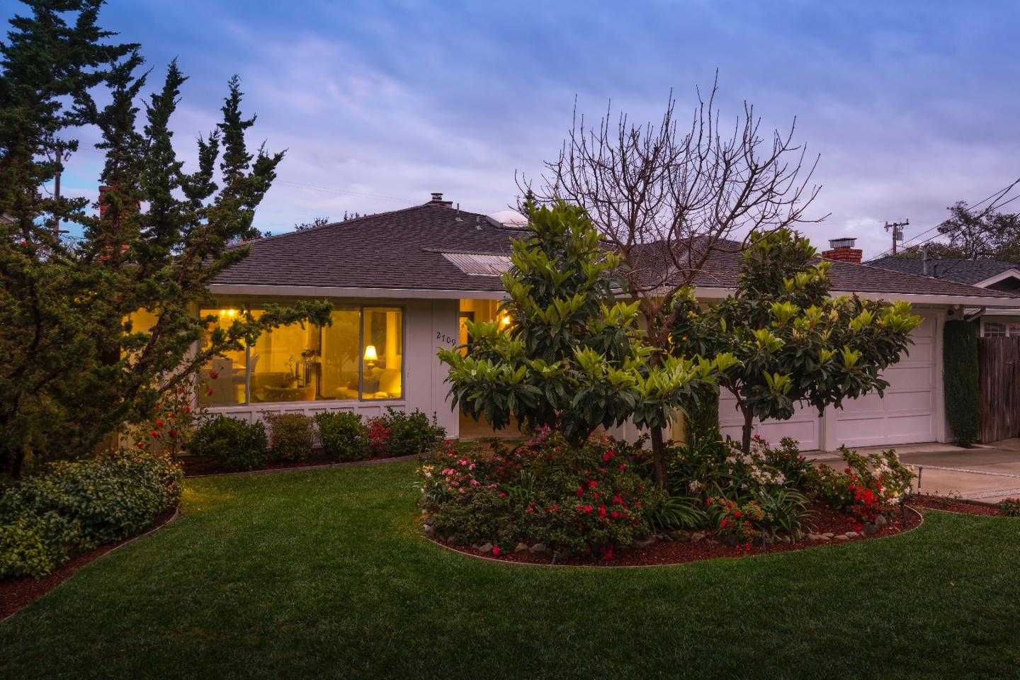 $1,795,000 - 3Br/2Ba -  for Sale in San Carlos