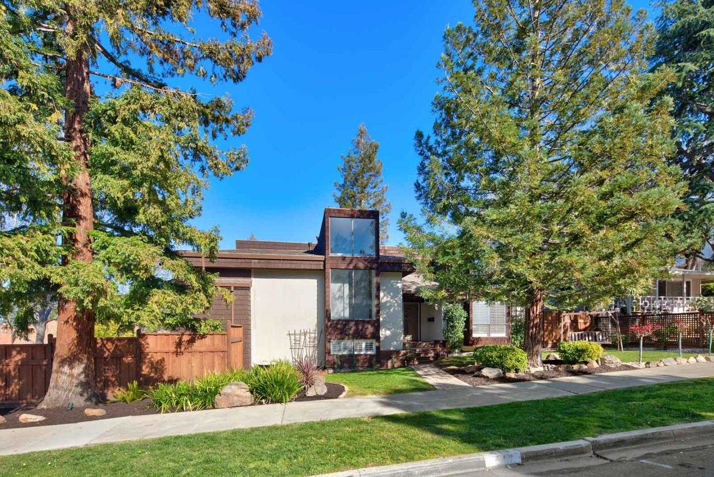 $2,498,000 - 4Br/3Ba -  for Sale in Redwood City