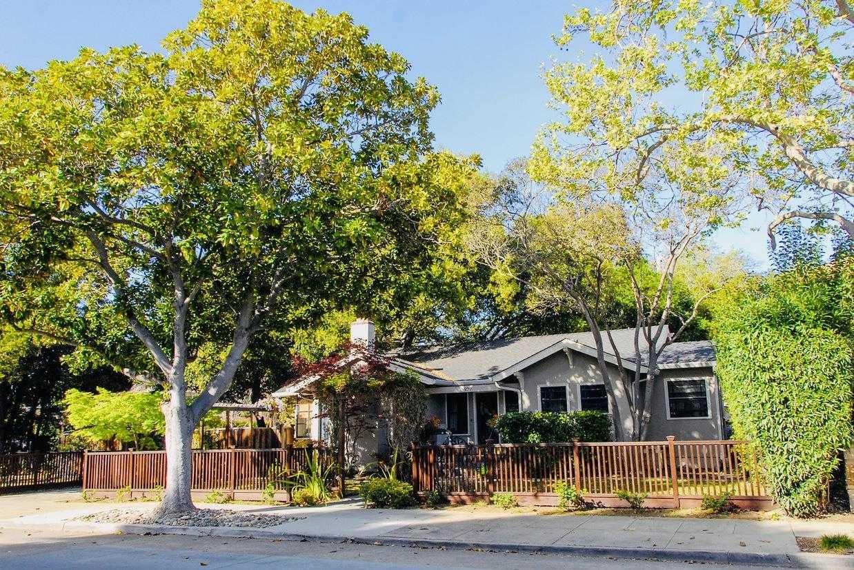 $3,389,000 - 3Br/2Ba -  for Sale in Palo Alto