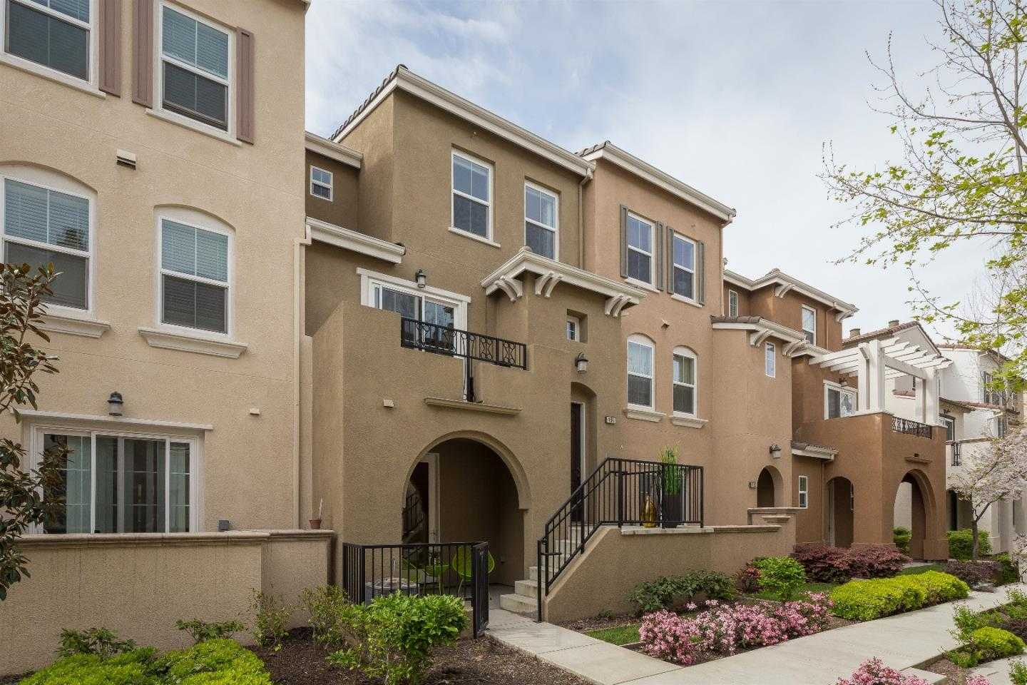 $1,528,000 - 3Br/4Ba -  for Sale in Mountain View