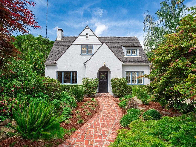 $3,998,000 - 4Br/3Ba -  for Sale in Palo Alto