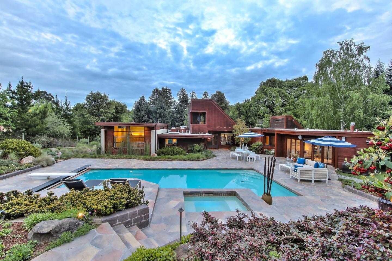 $4,998,000 - 5Br/4Ba -  for Sale in Los Altos Hills