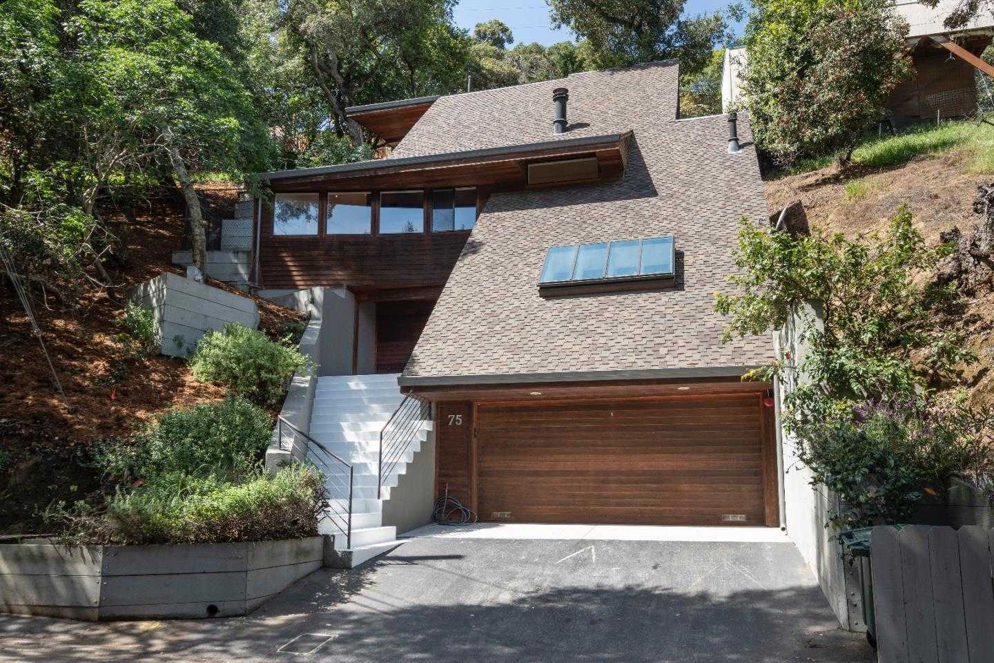 $1,980,000 - 4Br/3Ba -  for Sale in San Carlos