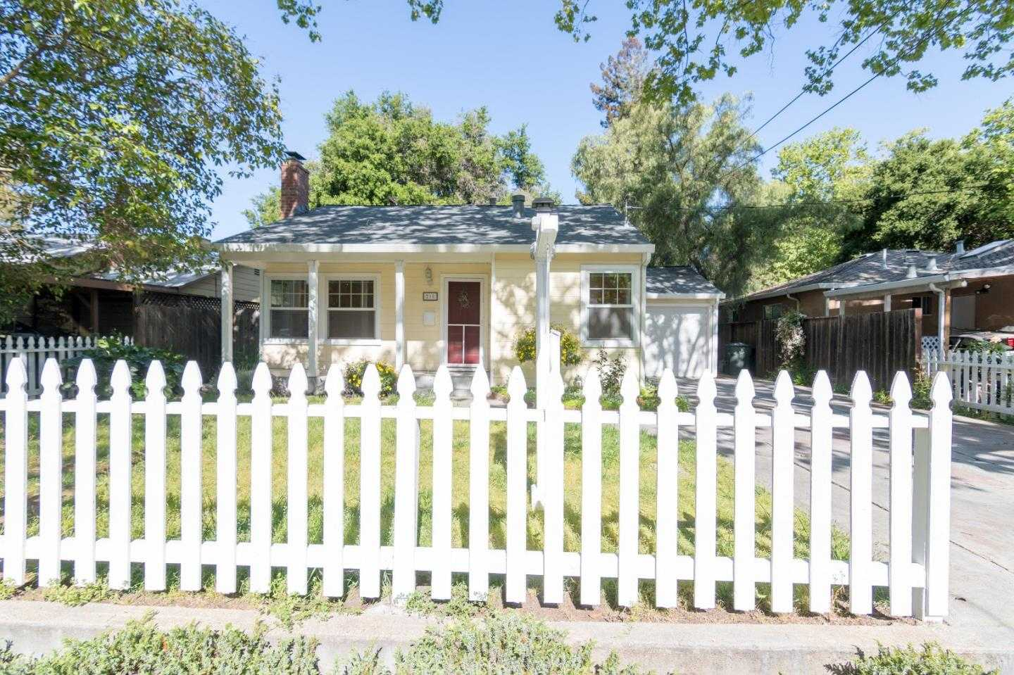 $1,250,000 - 2Br/1Ba -  for Sale in Redwood City