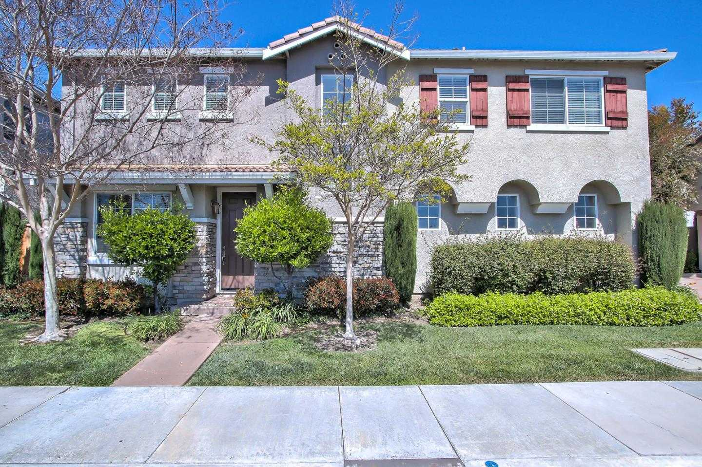 $1,350,000 - 4Br/3Ba -  for Sale in Santa Clara