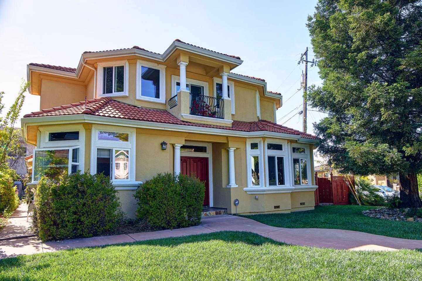 $2,898,000 - 5Br/4Ba -  for Sale in Cupertino