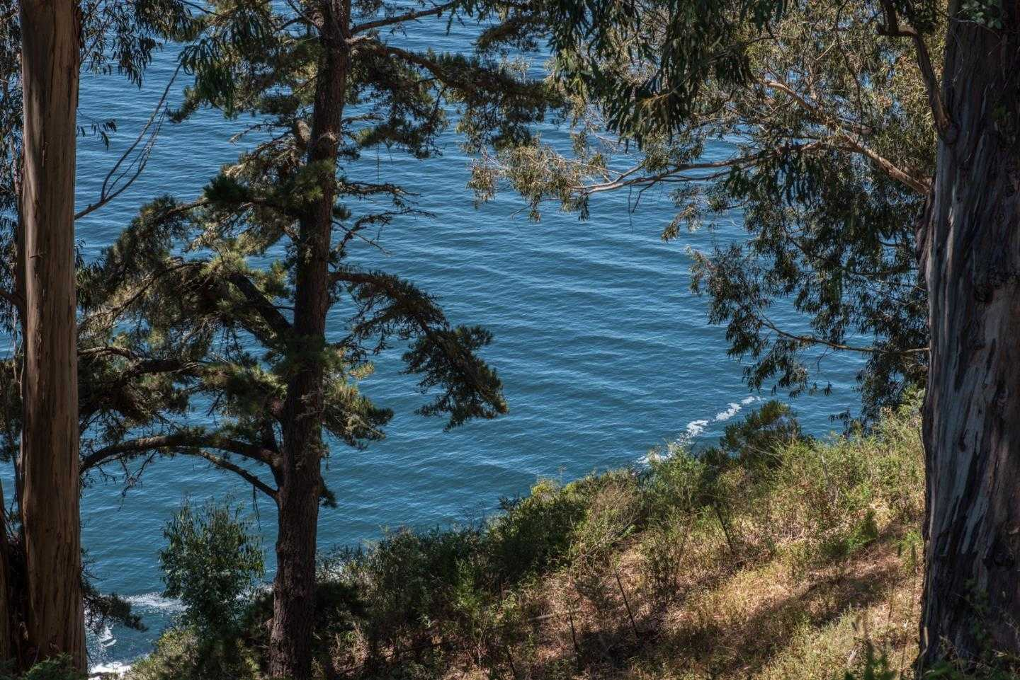 $5,500,000 - 3Br/4Ba -  for Sale in Big Sur