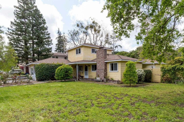 $2,700,000 - 4Br/3Ba -  for Sale in Los Altos