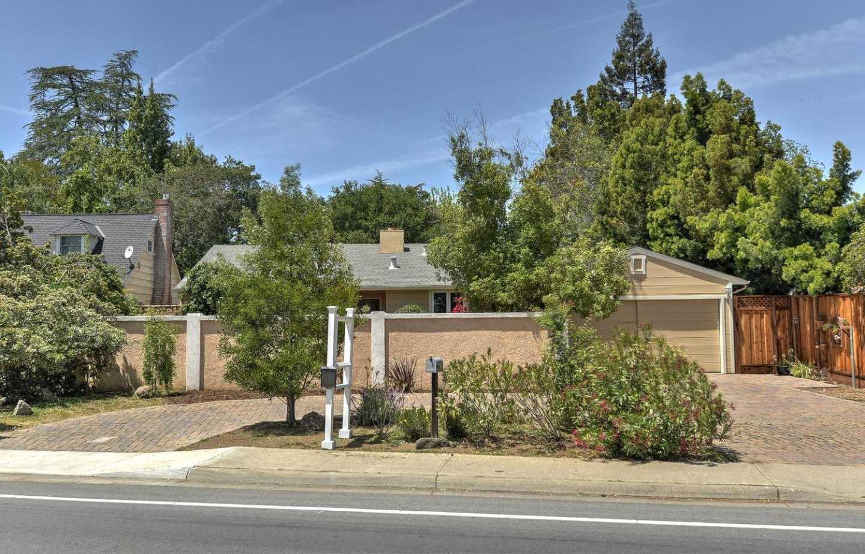 $2,598,000 - 3Br/3Ba -  for Sale in Los Altos