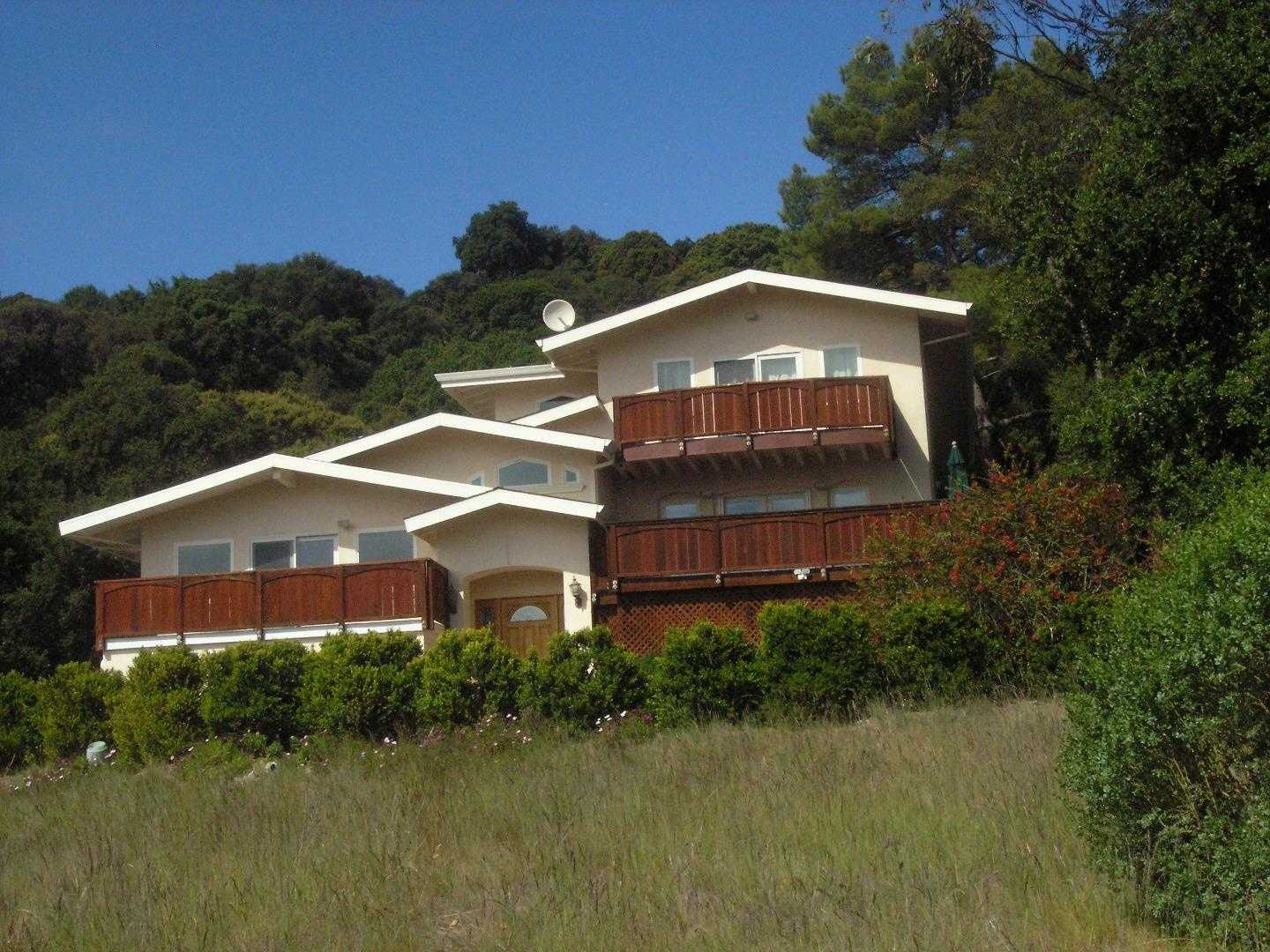 $2,880,000 - 4Br/4Ba -  for Sale in Cupertino