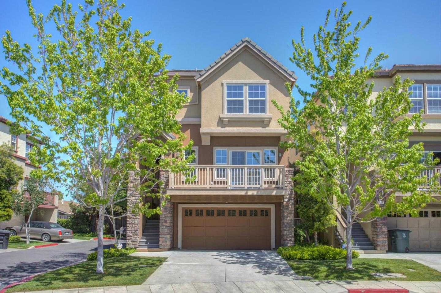 $1,249,900 - 4Br/3Ba -  for Sale in East Palo Alto