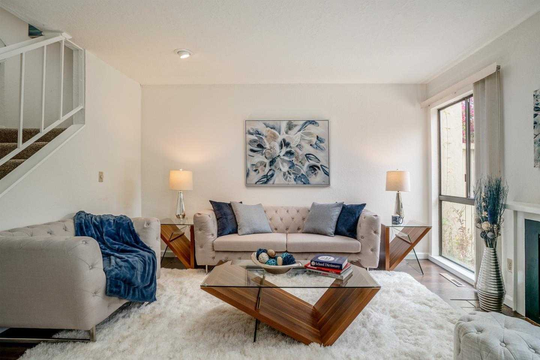 $719,000 - 3Br/3Ba -  for Sale in Carmel