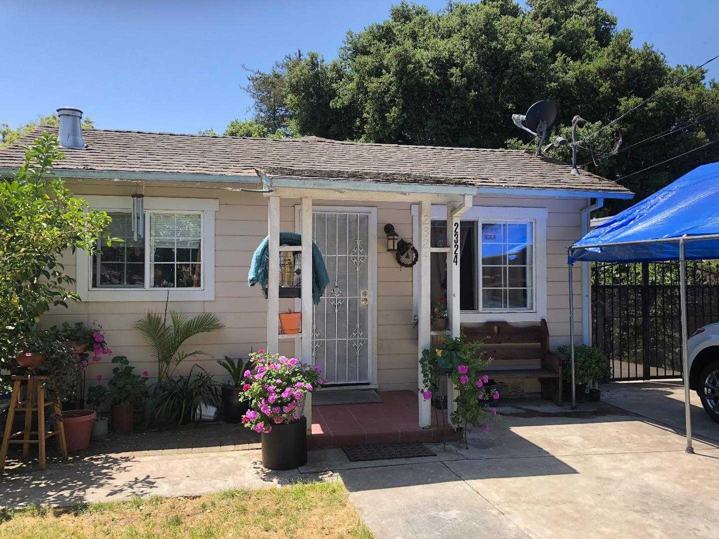 $828,000 - 3Br/2Ba -  for Sale in East Palo Alto