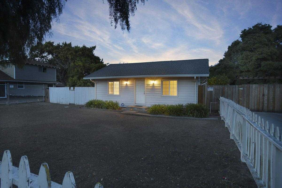 $875,000 - 2Br/1Ba -  for Sale in East Palo Alto