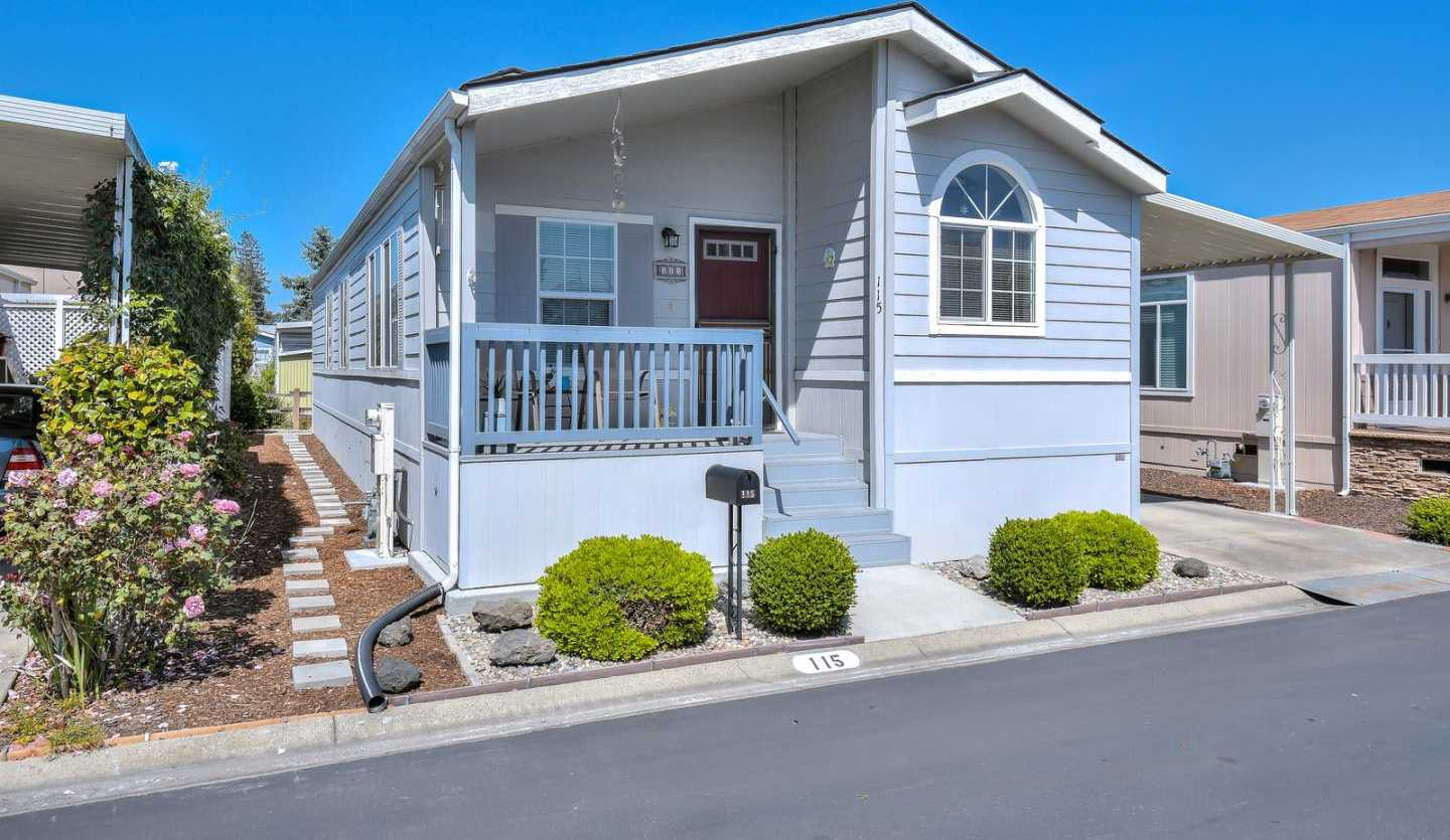 $269,000 - 3Br/2Ba -  for Sale in Mountain View