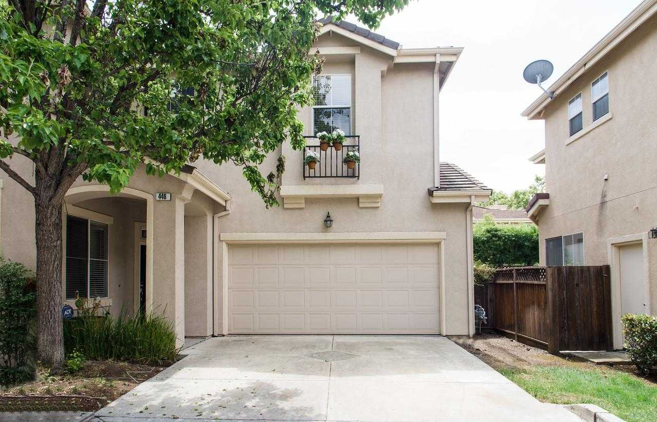 $1,989,000 - 4Br/3Ba -  for Sale in Mountain View