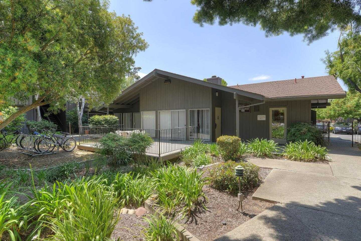 $595,000 - 1Br/1Ba -  for Sale in Mountain View