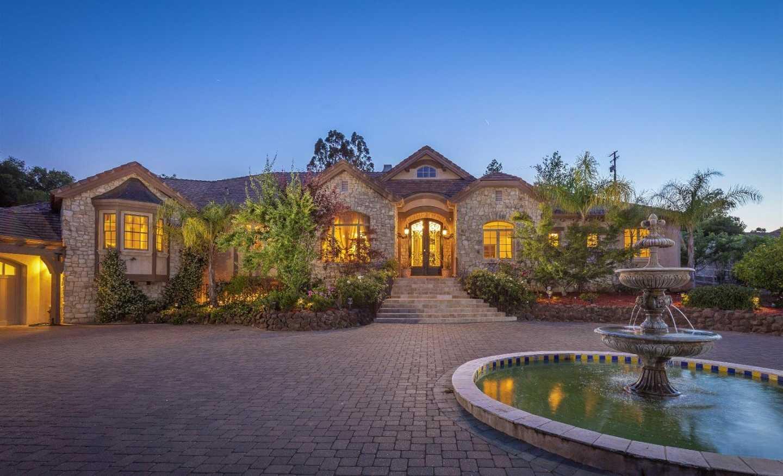 $6,988,000 - 6Br/7Ba -  for Sale in Saratoga